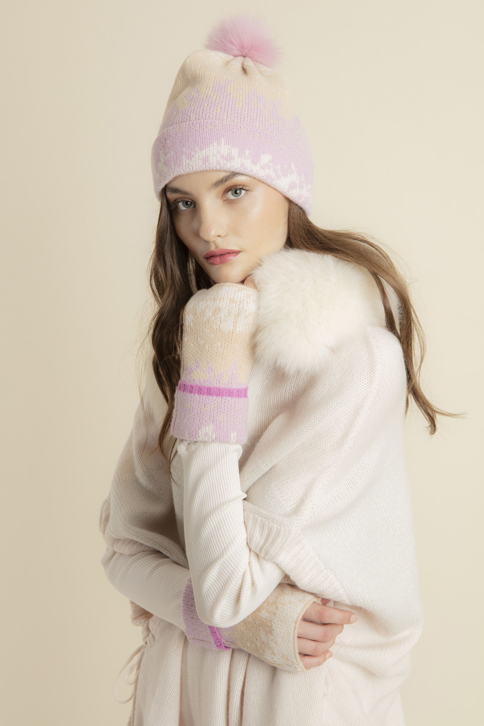 ARMAND WINTER POMPOM BEANIE  MIXPINK